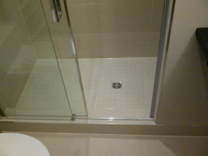Ottawa Home Renovation contractor bathroom glass shower door 01