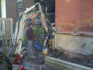 Ottawa home renovations contractor Paul Gratton Dalaney and Nancy 2 storey deck Glebe Day 4 Postech Metal Foundation