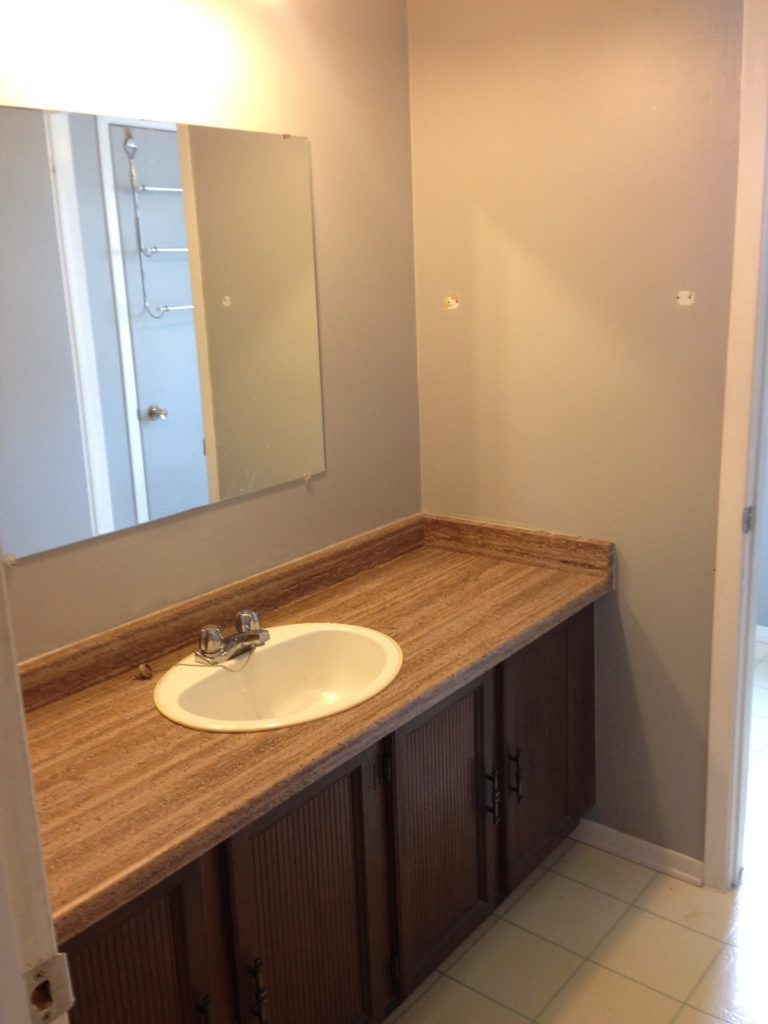 Day 01 Fresh Reno Ottawa renovation contractor bathroom before kanata